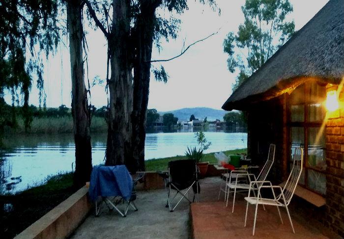 emanzini vrede dam cottage view